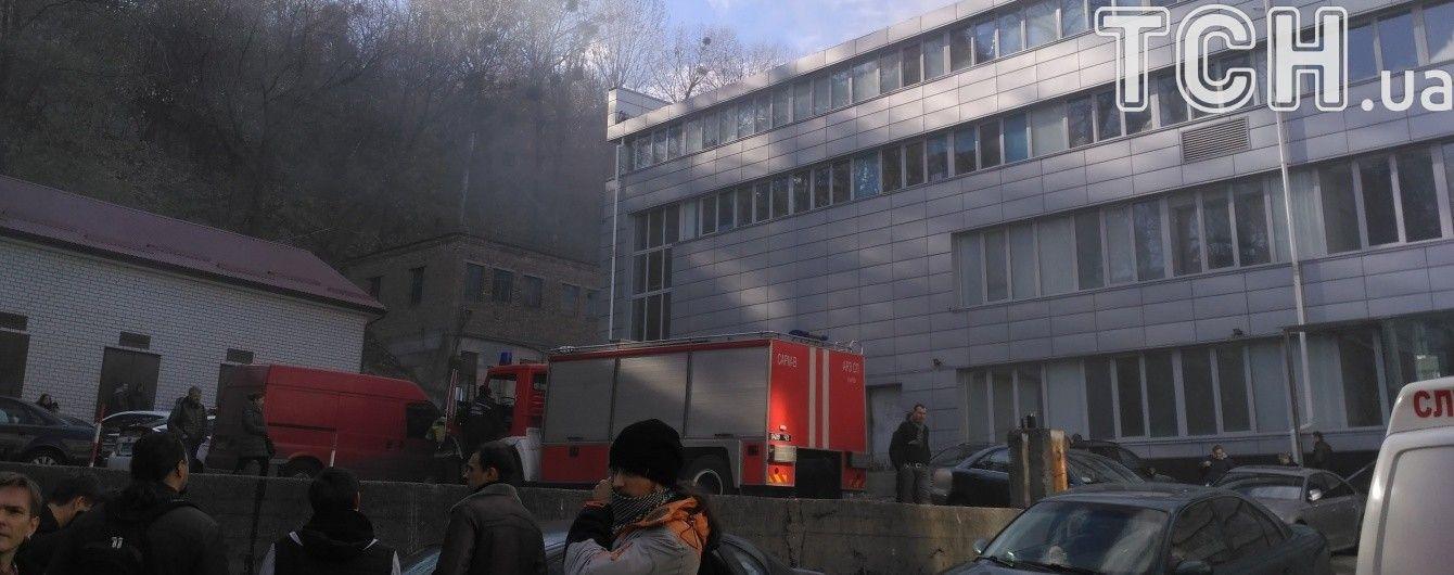 На Подолі в офісному приміщенні загасили пожежу