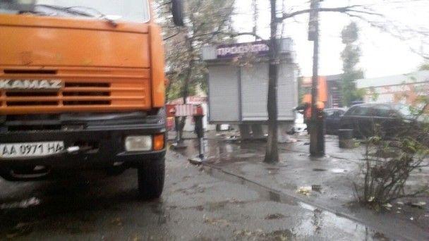 У Києві знесли перші МАФи, в яких уночі торгували алкоголем
