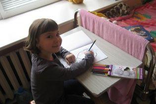 7-річна Полінка потребує негайної допомоги