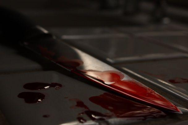 У Києві чоловік після вбивства дружини пустив газ і перерізав собі вени
