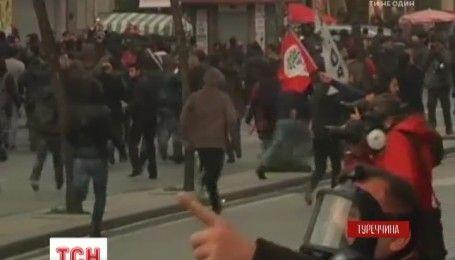 У Стамбулі влада розігнала демонстрацію на підтримку свободи слова