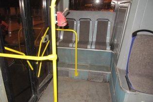 У Києві під час сутички у тролейбусі пасажир зарізав свого опонента