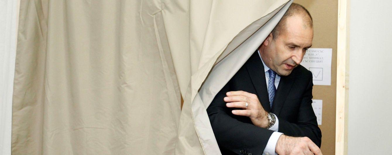 У першому турі виборів президента Болгарії переміг проросійський кандидат