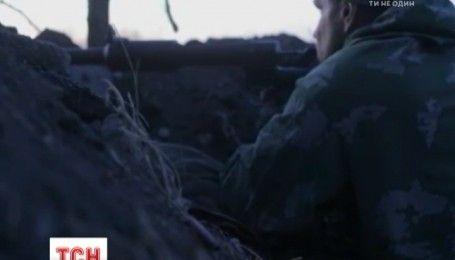 За ночь боевики 25 раз открывали огонь по позициям украинских военных