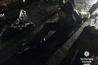 У Києві п'яний мотоцикліст погрожував підпалити себе і патрульних