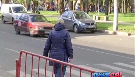 Самовольная стоянка автобусов в Одессе подвергает опасности горожан