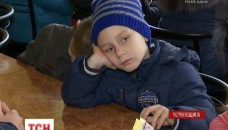 У селі на Чернігівщині батьки не пускають дітей до школи, через неповноцінне харчування