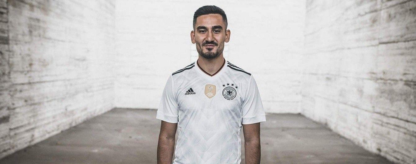 Збірна Німеччини представила нову форму для боротьби за ЧС-2018