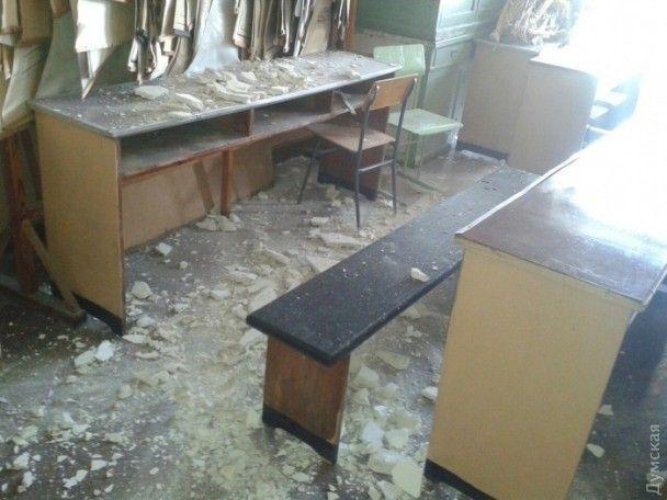 В одеському університеті на студентів просто під час лекції впала стеля