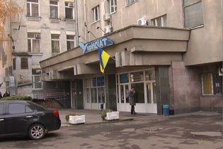 У Києві чоловік загинув після падіння з вікна офісної будівлі