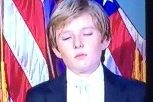 Син Трампа ледь не заснув під час промови батька