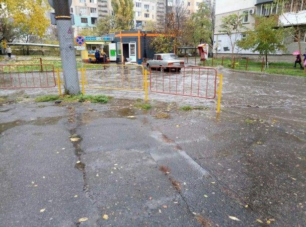 Злива затопила Одесу: місто паралізували затори та подекуди зникло світло
