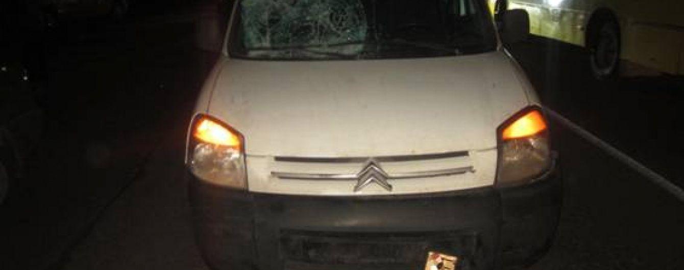На Київщині машина переїхала винуватця ДТП і його жертву