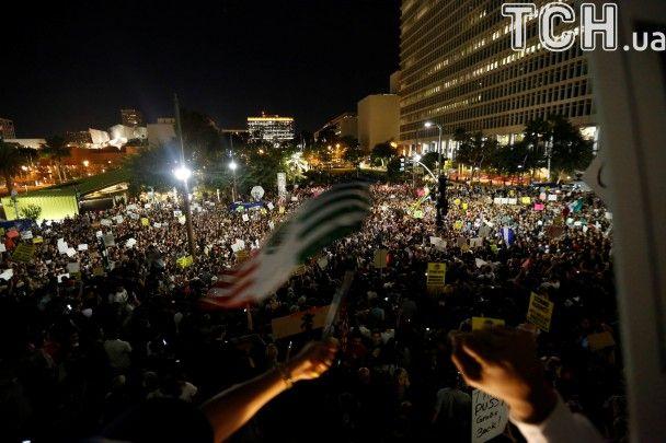 Протести від Нью-Йорка до Лос-Анджелеса. Що відбувається на вулицях США після перемоги Трампа