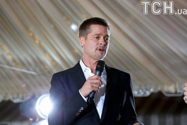 """Змарнілий Бред Пітт і вагітна Маріон Котійяр відвідали прем'єру стрічки """"Союзники"""""""
