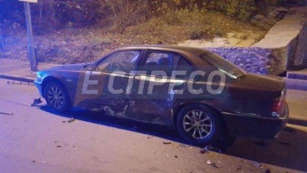 У Києві водій авто втік після потрійної аварії