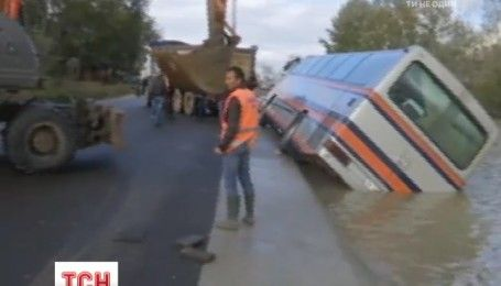 В Албанії під водою опинилися десятки будинків