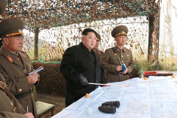 У Північній Кореї оприлюднили фото вгодованого Кім Чен Ина в оточенні військових