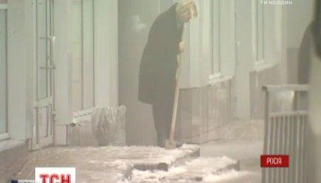 Тисяча ДТП і паралізований транспорт: у Москві захурделило
