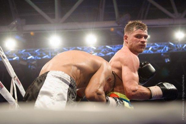 """Боксер Берінчик побив п'яту """"жертву"""" на професійному ринзі. Дивись відео"""