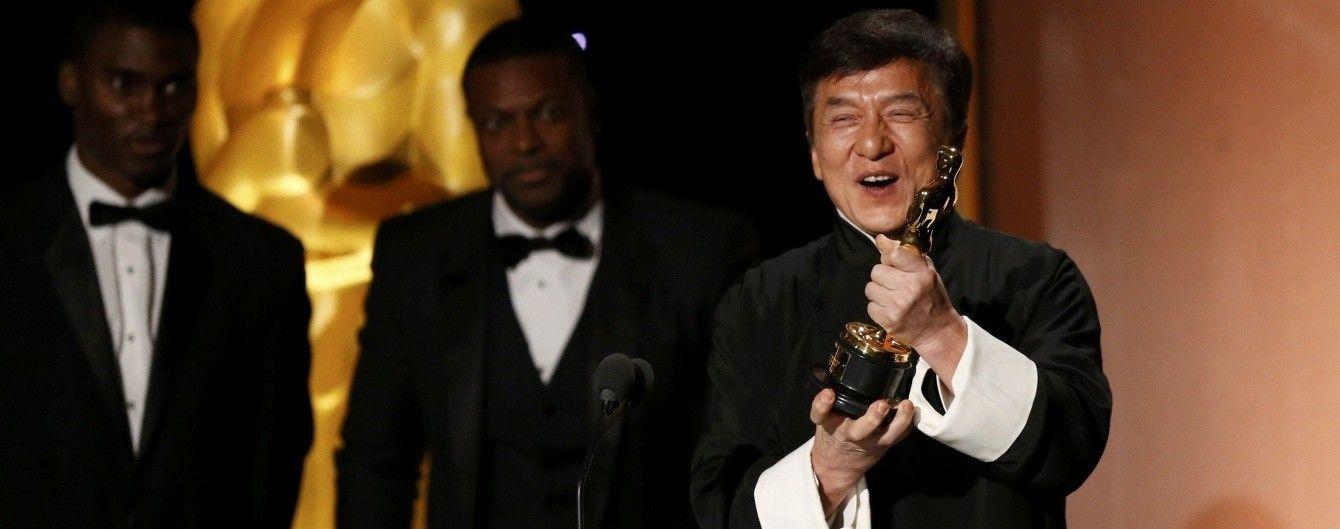 """Джекі Чан після двохсот фільмів нарешті отримав почесний """"Оскар"""""""