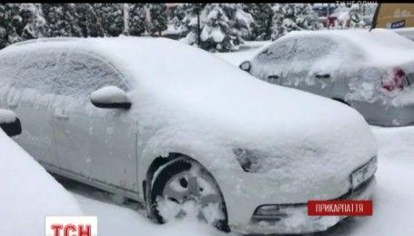 На Прикарпатье из-за снега 23 села остаются без света