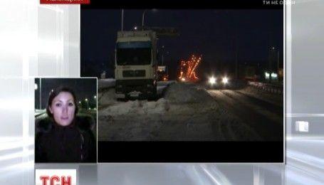 В Ровенской области затруднено движение на трассе Киев-Чоп