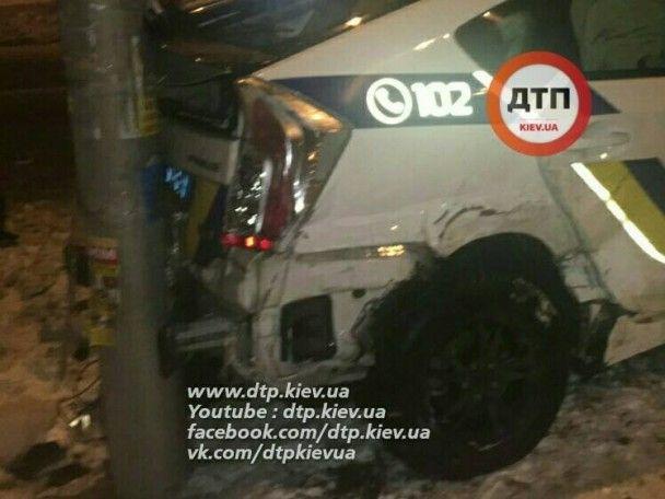 У Києві авто патрульних потрапило у ДТП