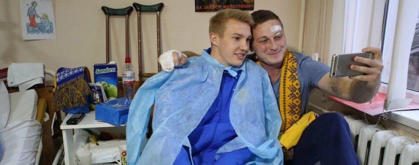 """Футболіст """"Шахтаря"""" подякував воїнам АТО: спасибі таким відважним людям"""