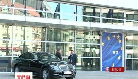 Українці літатимуть в Європу без візи, але із попереднім дозволом