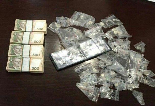 У Києві поліція охорони під час чергування викрала в квартирі колекцію монет
