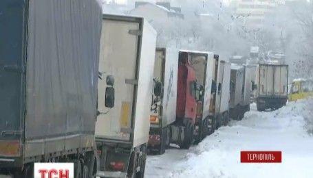 Снігове випробування для чиновників: як міста західної України оговтуються після заметілі