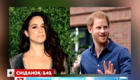 Принц Гарри носит браслет своей любимой