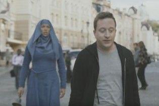 """Зірки """"Гри престолів"""" знялися у рекламному ролику в Києві"""