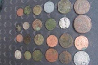 На Одещині прикордонники вилучили у чоловіка старовинні монети часів царської Росії