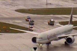 Аварійна посадка: у Цюриху через задимлення приземлився Boeing-777