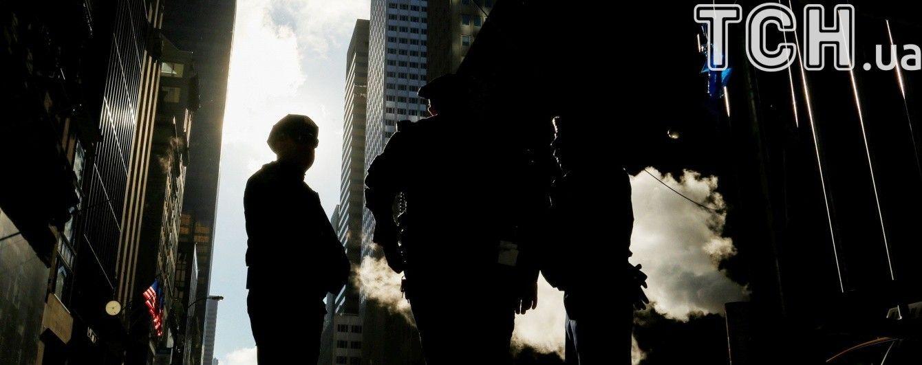 В Вашингтоне пикап врезался в офицеров полиции