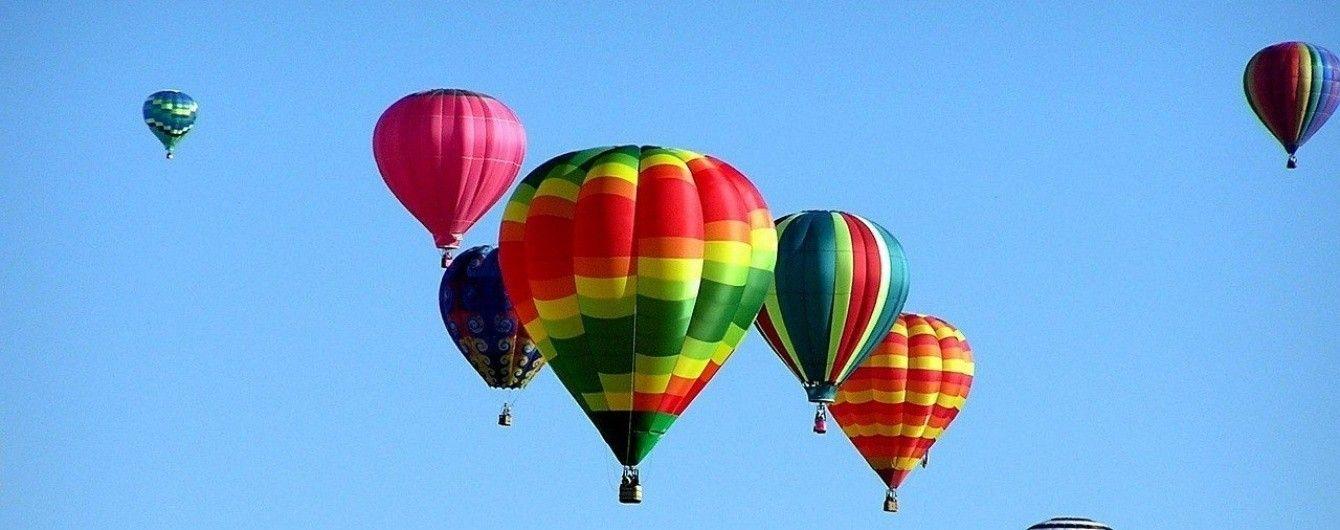 Барвисте небо. У Мексиці триває яскравий фестиваль повітряних куль
