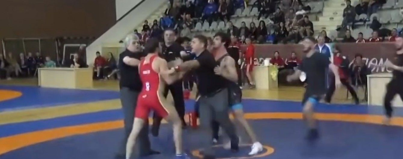 Російські та грузинські борці влаштували масову бійку на Кубку Європейських Націй
