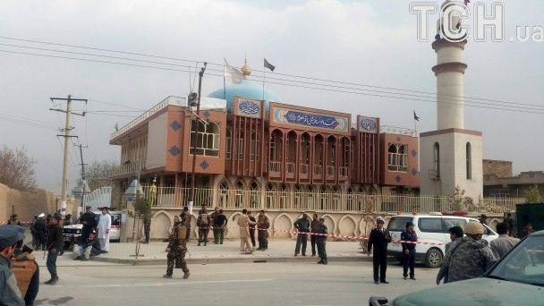 У Кабулі в мечеті стався вибух, щонайменше 27 людей загинули