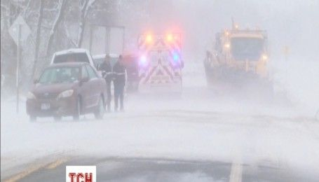 США заснежило: сильный ветер, метель и низкую температуру принес первый зимний шторм