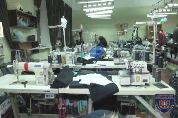 В Одесі накрили масштабне виробництво контрафактного одягу відомих брендів