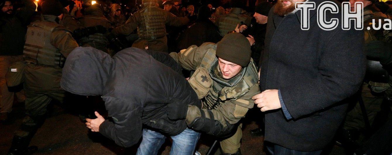 У поліції назвали кількість постраждалих і затриманих під час сутичок на Майдані