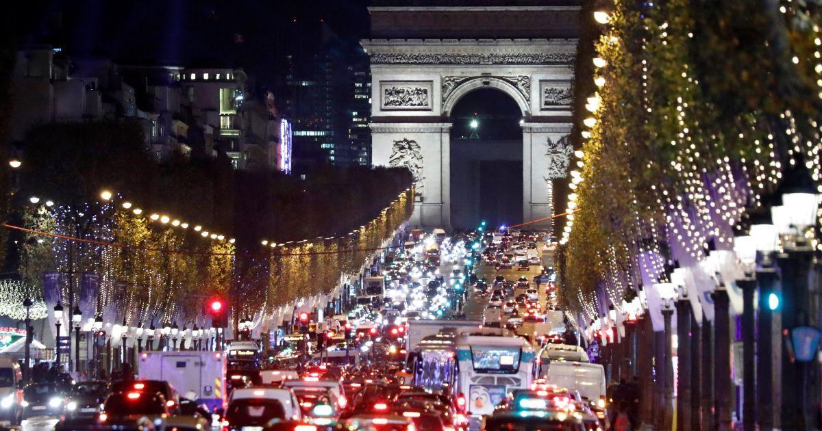 Різдвяний Париж