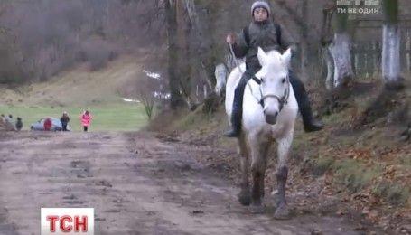 Пятиклассник из Ровенской области ездит в школу на лошади
