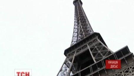 Ступени с Эйфелевой башни продали за полмиллиона евро