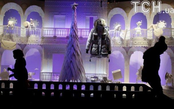 Прикрашені вітрини та святкові ілюмінації. Як Європа прикрашається до Різдва