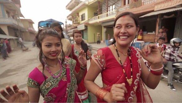 Дмитро Комаров на непальському весіллі_3