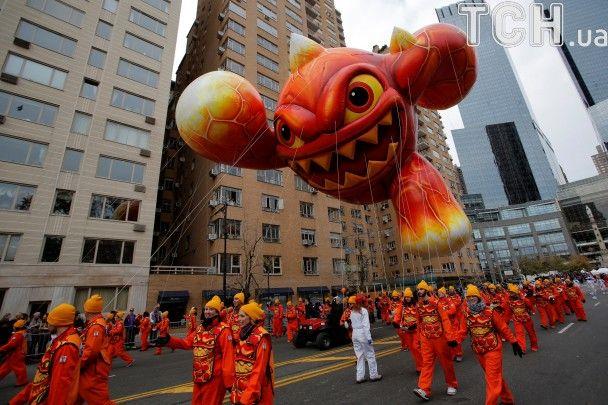 Клоуни, акробати та гігантські кулі. У Нью-Йорку відбувся парад до Дня подяки