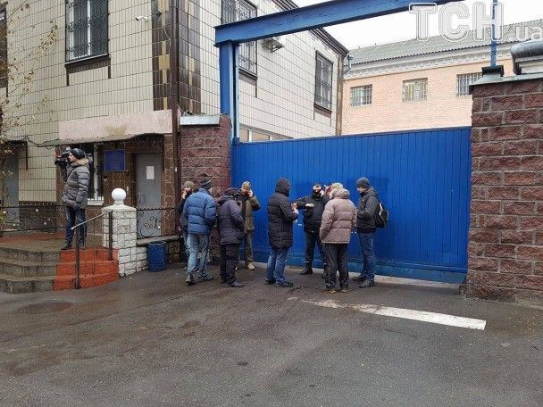 Активісти заблокували всі входи та виходи з Лук'янівського СІЗО